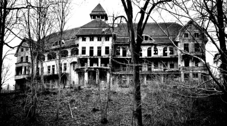 image of a haunted house